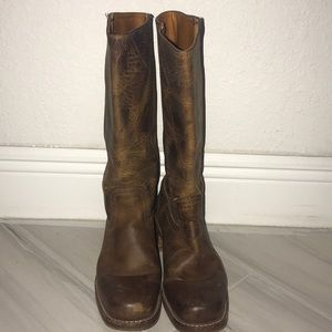 Frye Boots Distressed 8 1/2